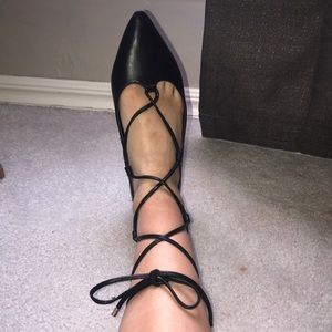trendy lace up flats 😍